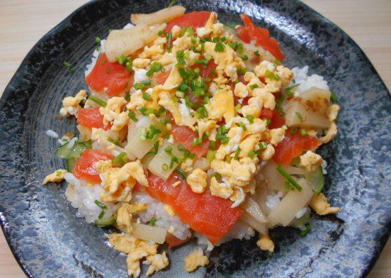 たけのことサーモンのちらし寿司